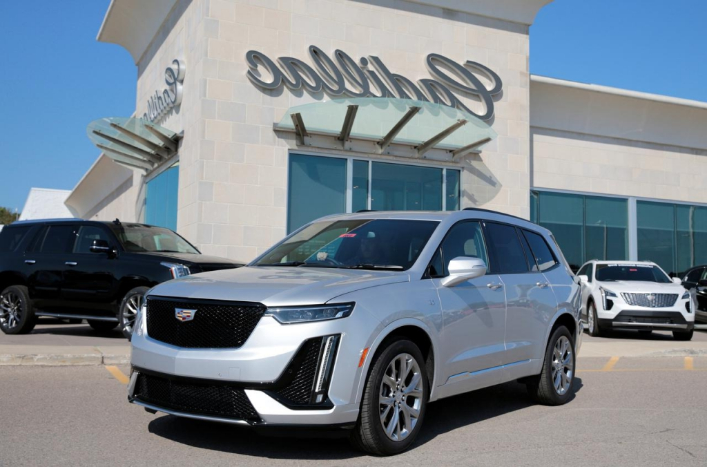 2022 Cadillac XT5 Pictures SUV Models