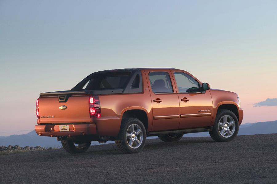 2010 Chevrolet Avalanche Overview Cars